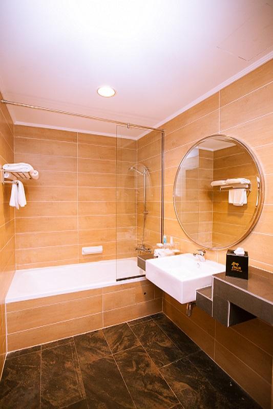 RI -2-Bedroom-Suite-Living-hall-1